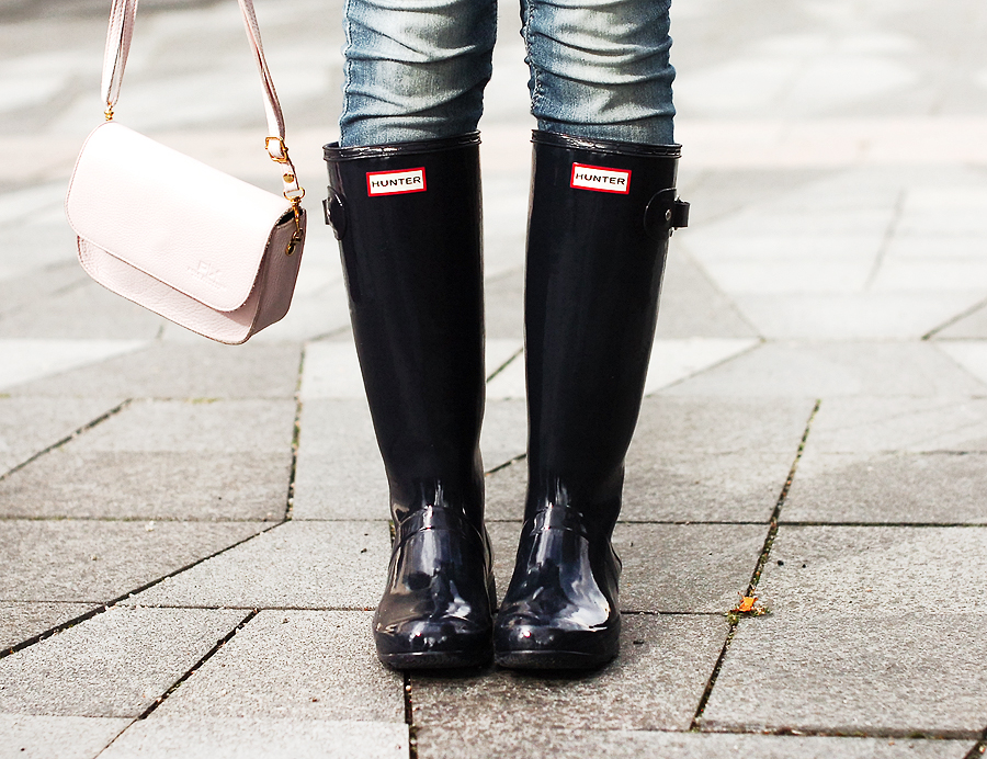 fall-outfit-of-the-day-hunter-boots