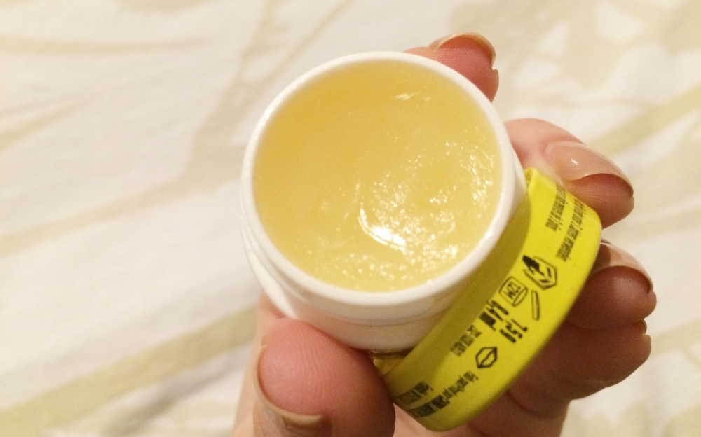 Carmex Moisturizing Lip Balm Review and Swatch, Best lip balms to buy, February Beauty Favorites
