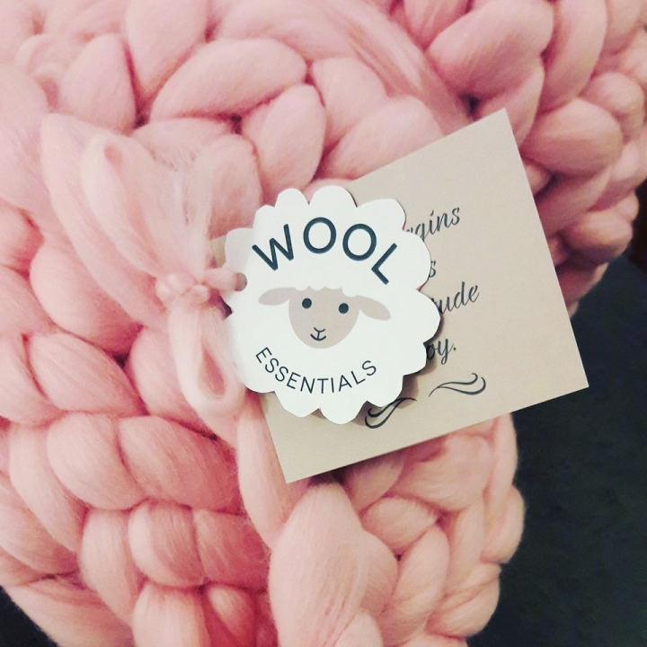 DAY 10: GIVEAWAY BY WOOLESSENTIALS